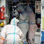 El incremento de la tasa de incidencia de Covid   en Málaga obliga al cierre de quirófanos no oncológicos y al desalojo de algunas plantas de especialidades de los hospitales para dedicarlas  a los pacientes con coronavirus